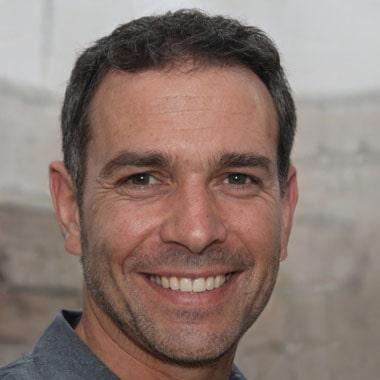 Robert Luis, Chief Editor